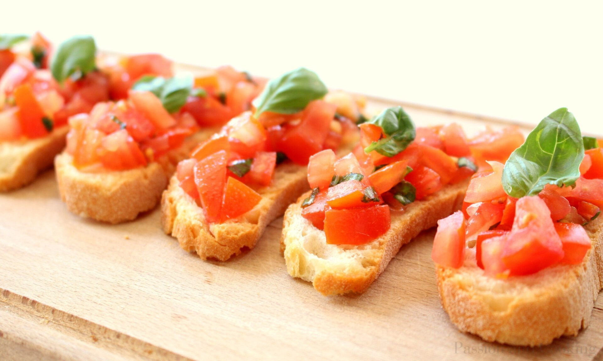 Bruschetta al Pomodoro (Tomato Bruschetta) - Passion and cooking