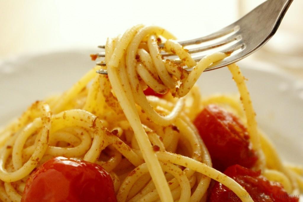 Spaghetti con bottarga dett.