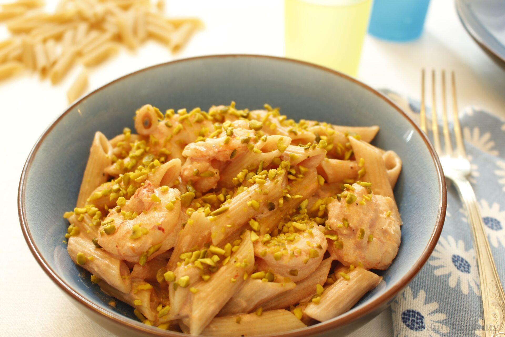Pasta con gamberi e pistacchio