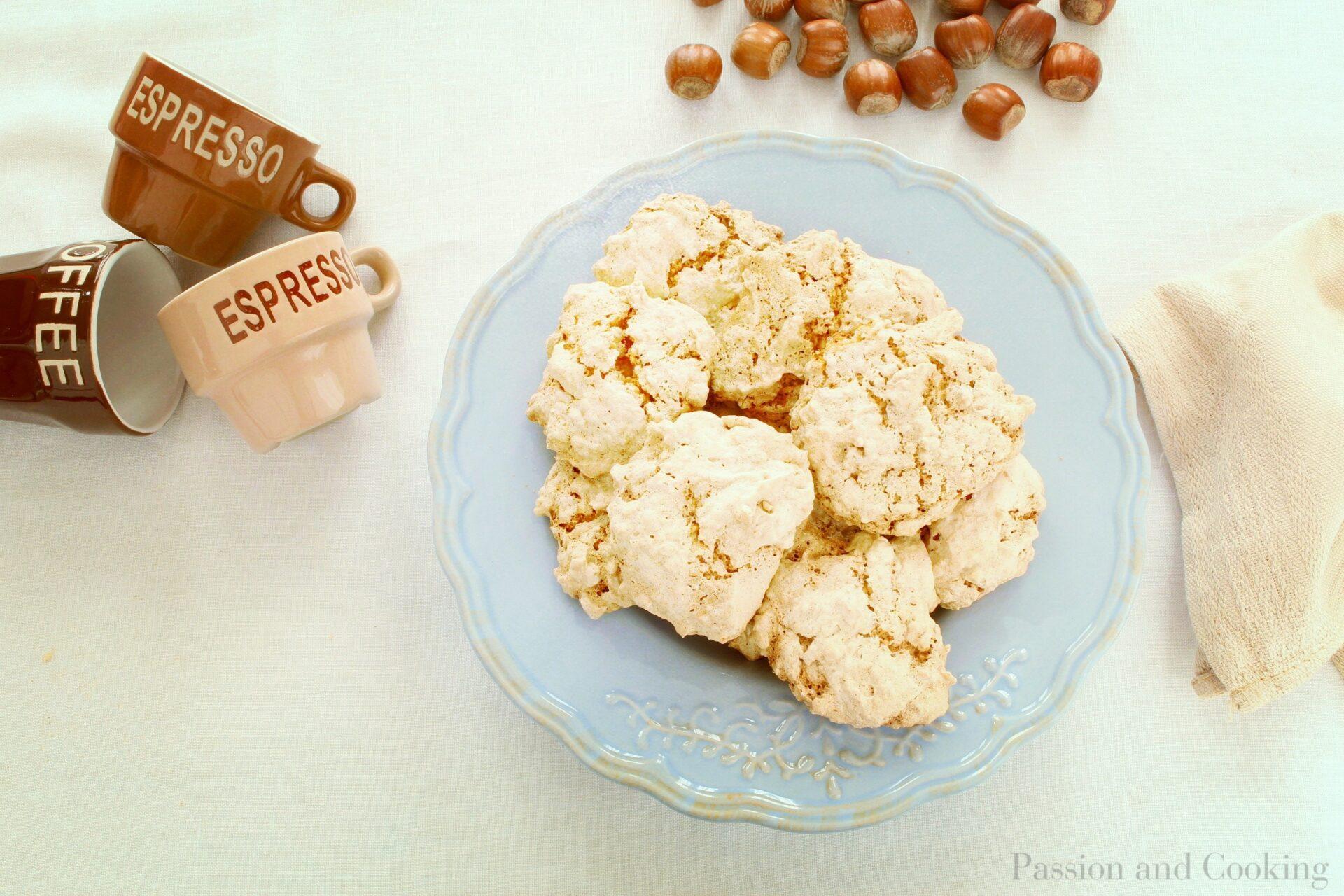 Brutti ma buoni cookies