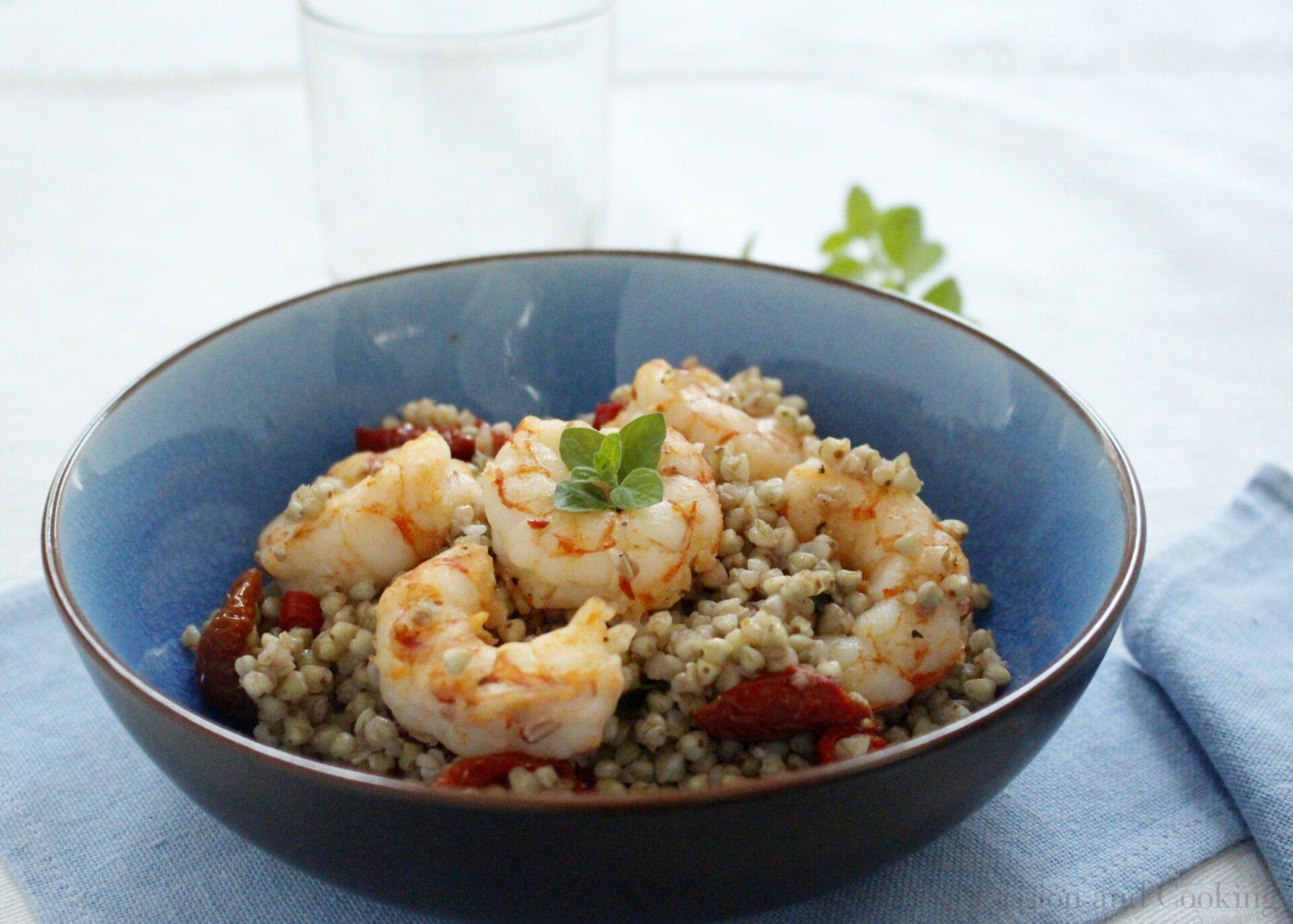 Buckwheat salad with prawns