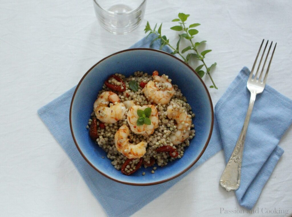 Buckwheat salad with prawns
