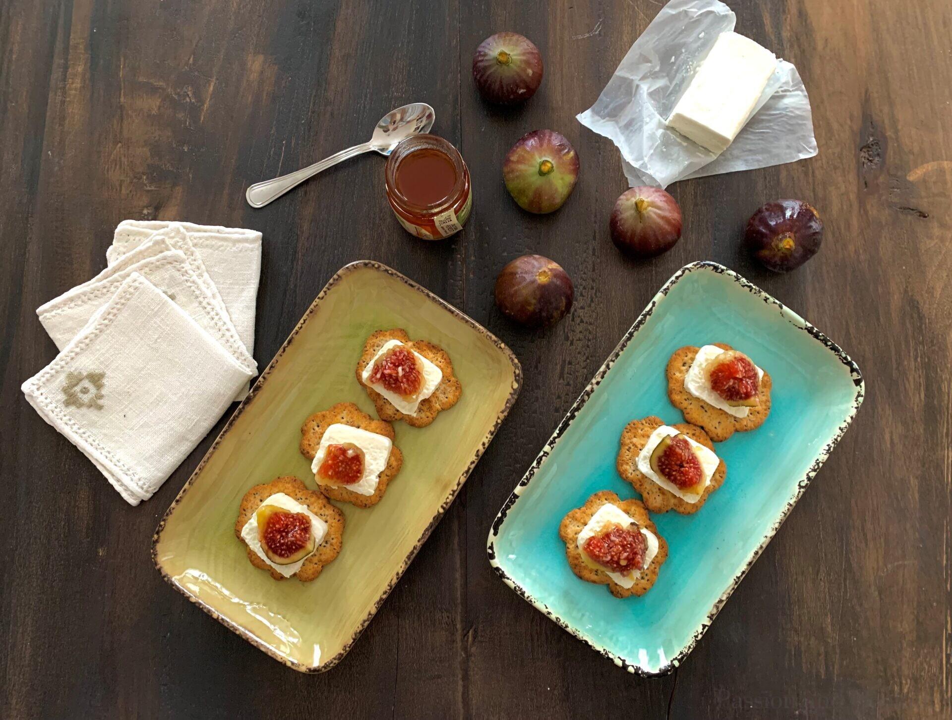 Caprino and figs